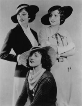 The Boswell Sisters, well dressed for an early 1930s portrait